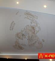 Натяжной потолок с фотопечатью карта