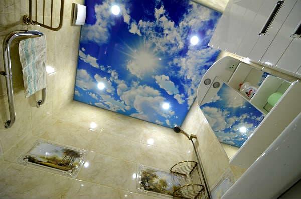 Натяжные потолки с фотопечатью в ванной